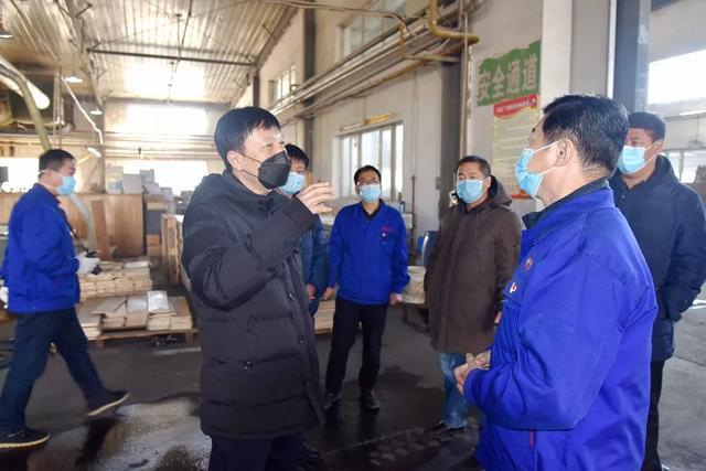 王连弟到珲春林业公司和珲春森林山木业公司督导疫情防控工作